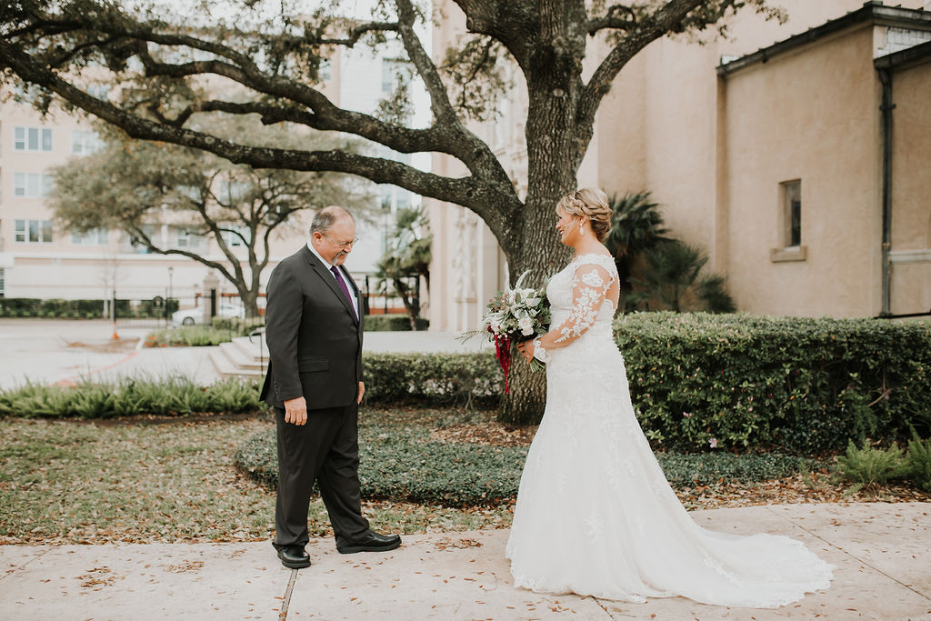 Dad's first look | Houston Weddings