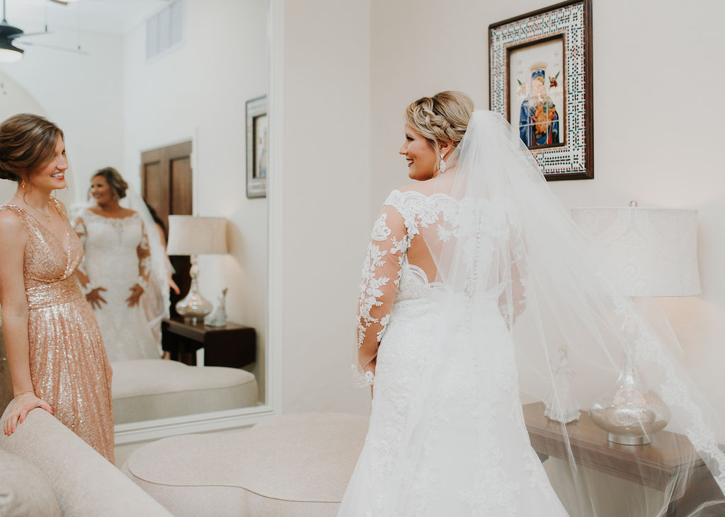 Bride final details before her big day | Houston Weddings