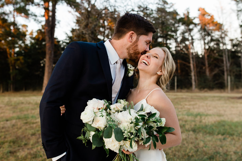 Bride and Groom with grand and gorgeous bouquet | Houston Weddings