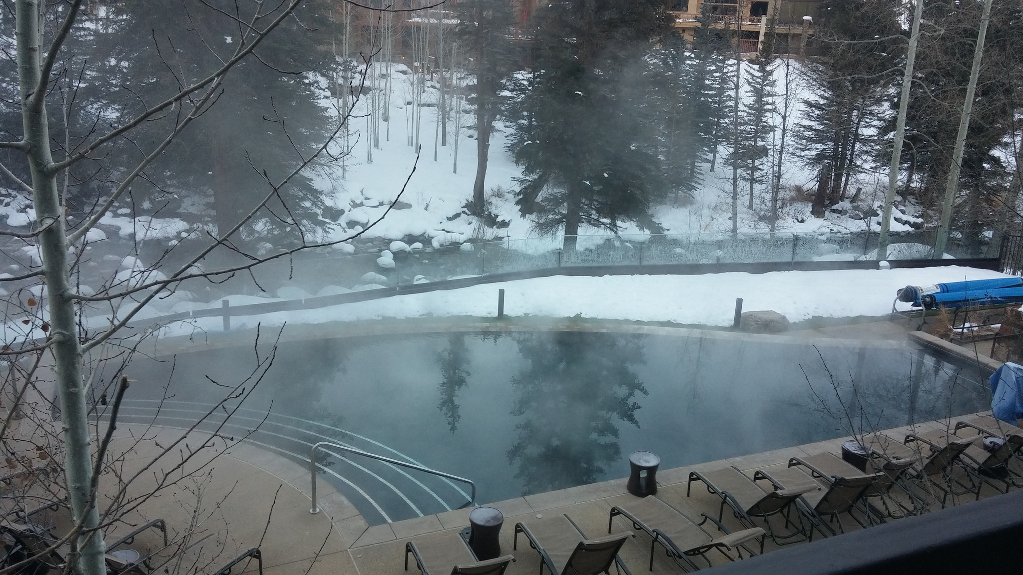I have nothing but good things to say about this heated infinity pool at Vail Cascade Resort. As a matter of fact, I LOVE that pool.