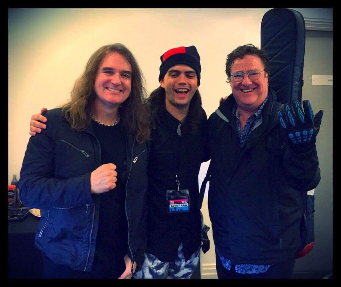 Stu Hamm wearing his THERMO Gig Gloves alongside fellow bassists Dave Ellefson and Cody Wright.