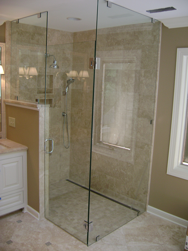 Euro Corner Shower with Glass Clamps