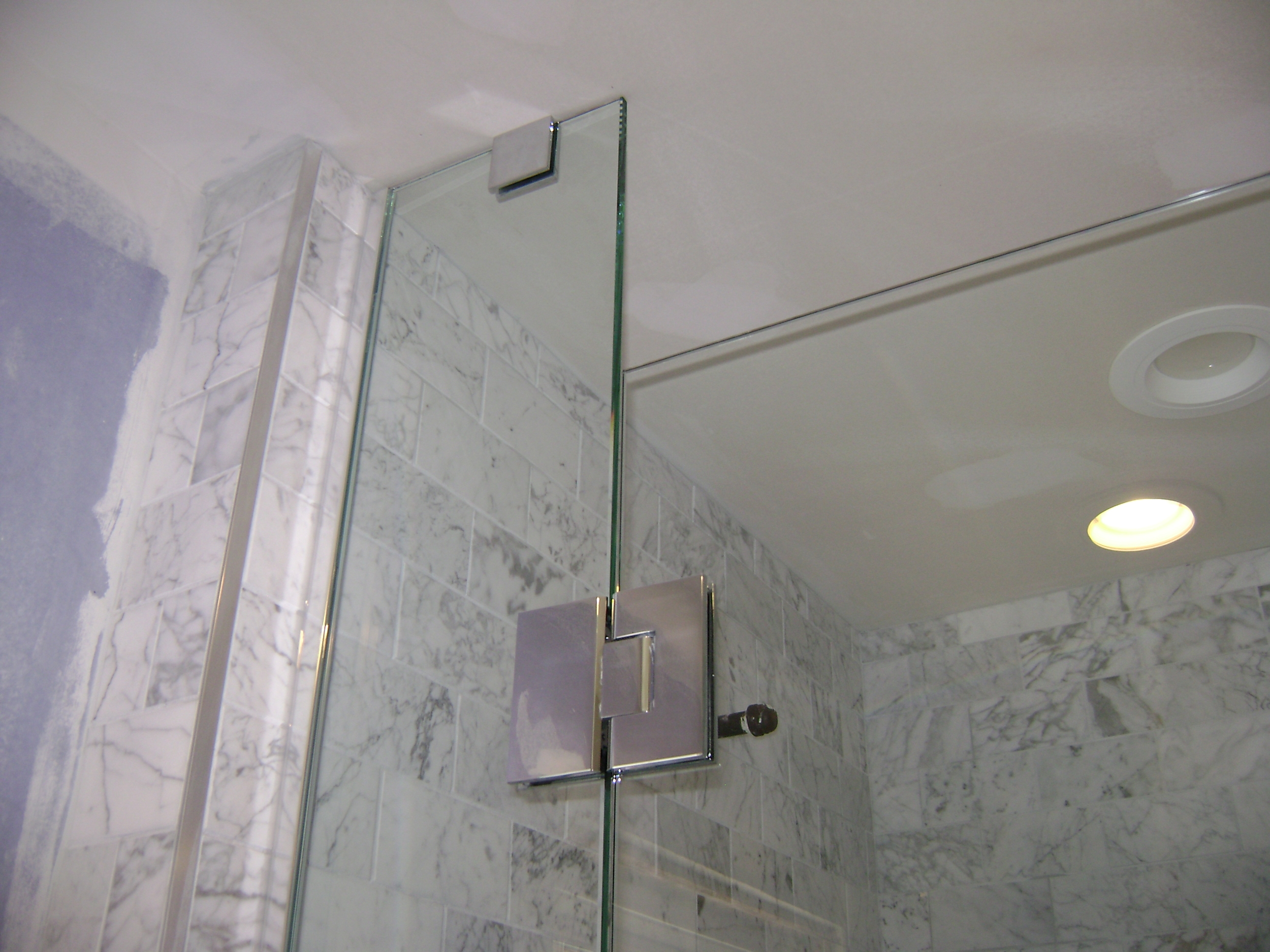 Glass Clamp and Glass to Glass Hinge Detail