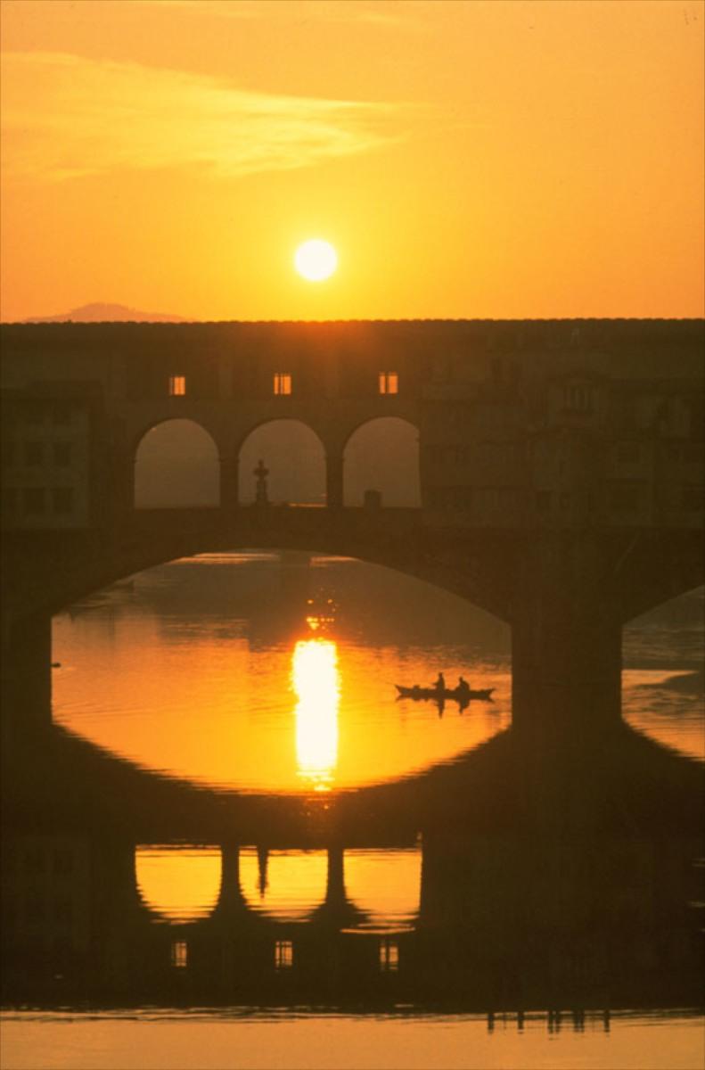 Ponte Vecchioat sunrise
