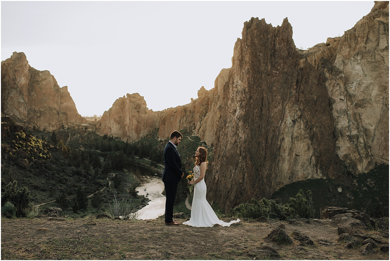 creative-smith-rock-state-park-adventure-elopement-inspiration-bend-oregon_0038.jpg