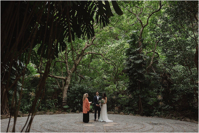 north-shore-maui-hawaii-elopement-at-the-sacred-garden-of-maliko-by-naomi-levit_0002.jpg