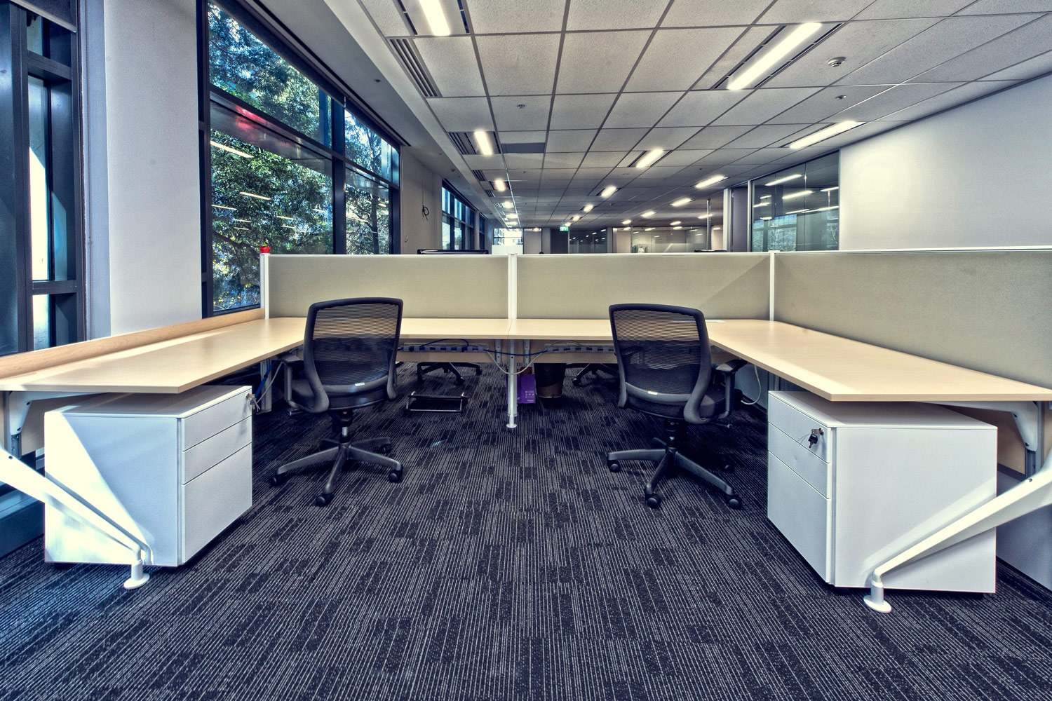 Next workstations, Trick task seating, Easy mobile storage