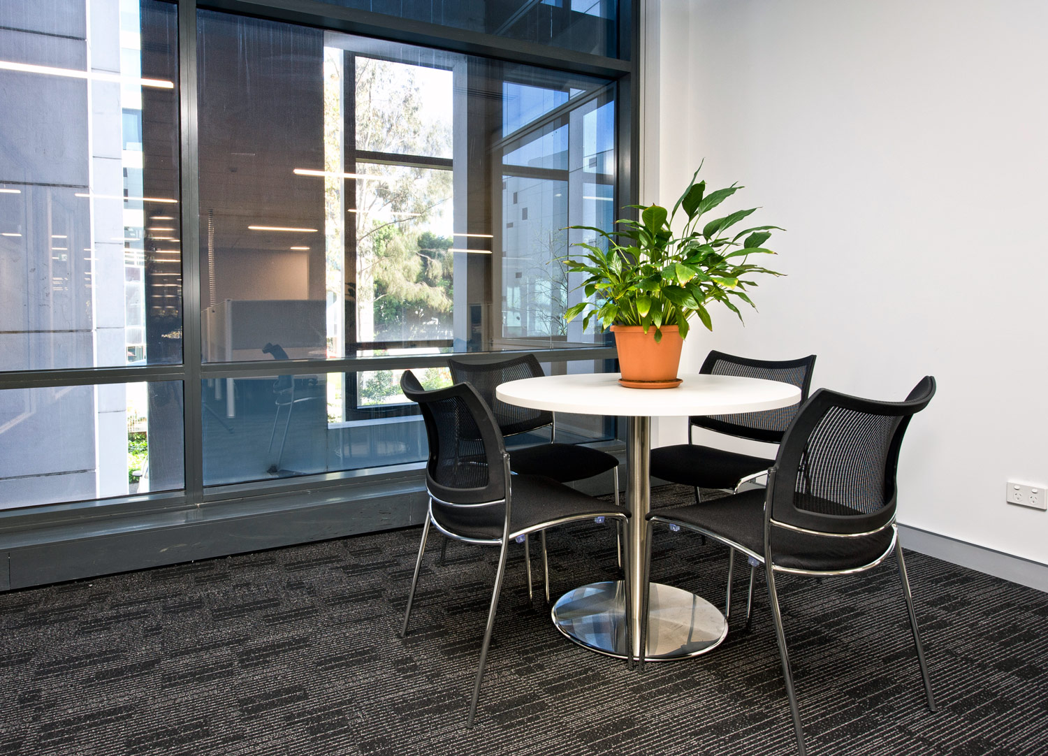 Stainless disc base table, TZ meeting chairs
