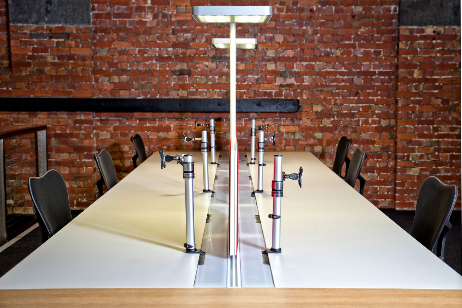 Waldmann lighting integrated into Project-T workstations