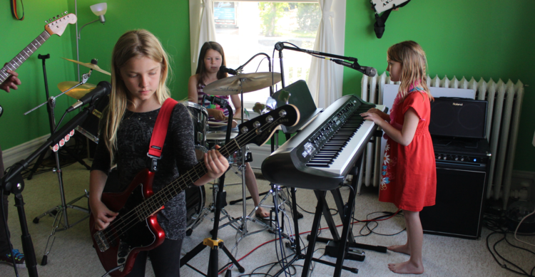 Traverse+City+music+lessons+-+band+program.png