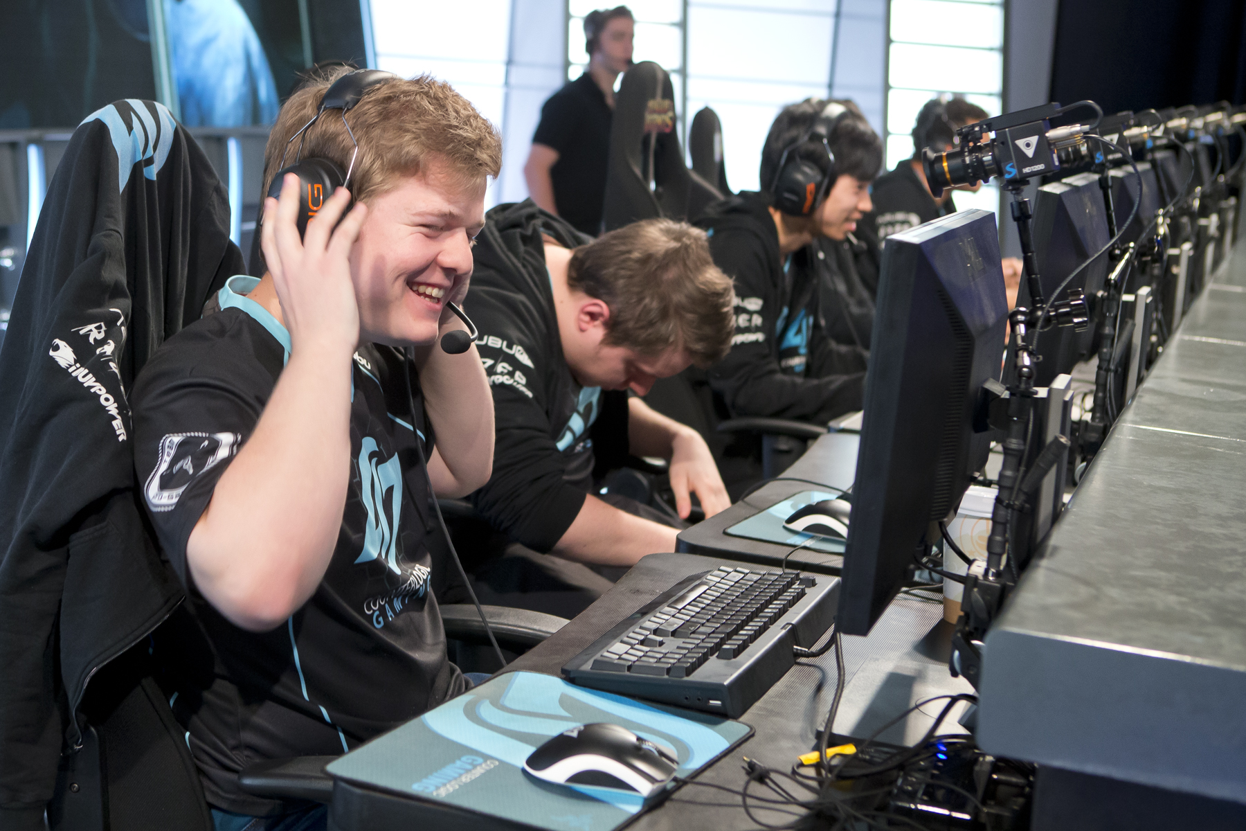 Nien, the top laner for CLG retired at the end of Spring Split 2014 due to heavy criticism from the community.  source