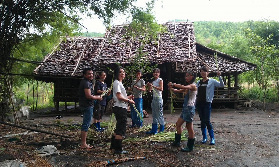 我們跟隨克倫族的傳統智慧,學習與大自然共生的永續方法。