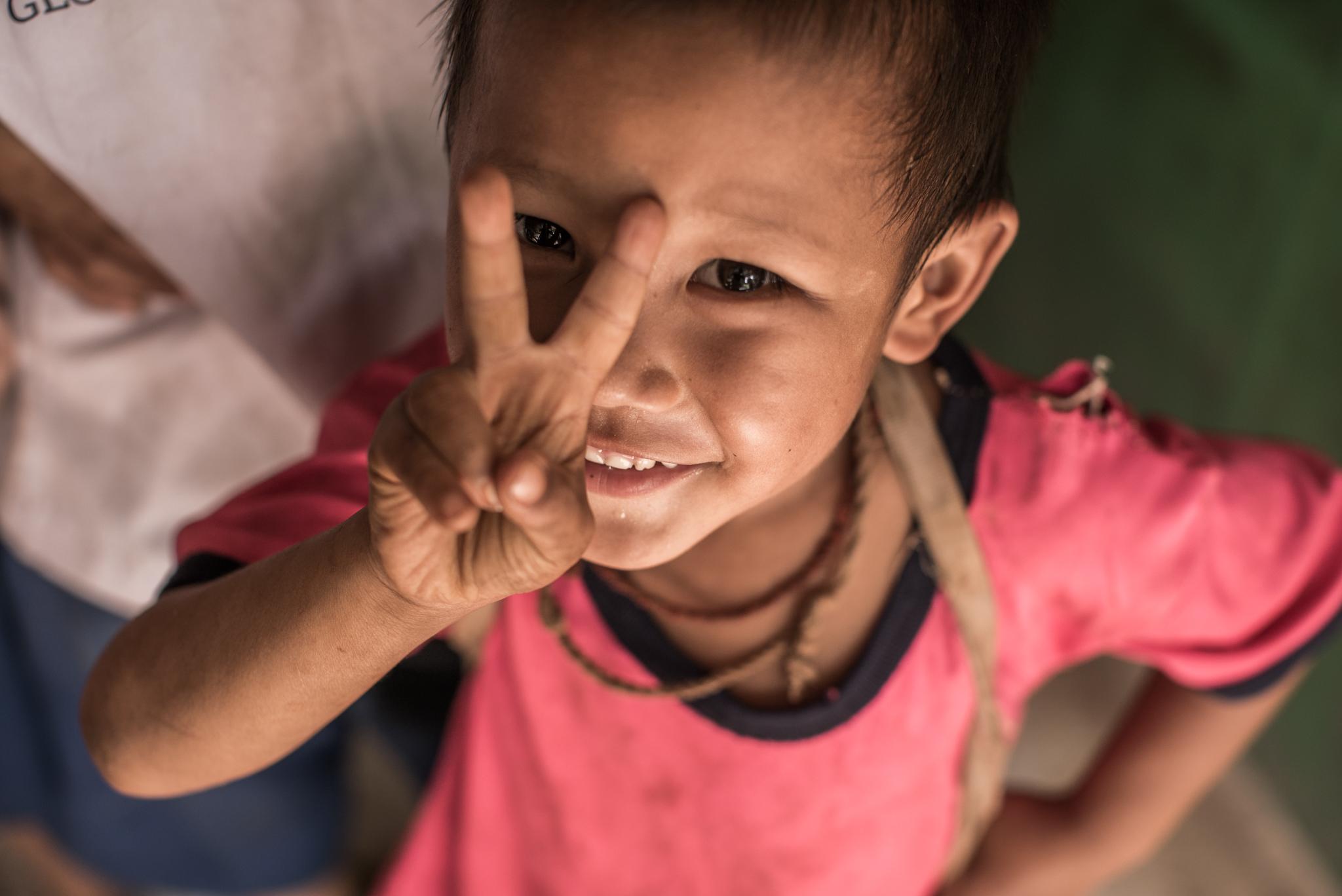 泰緬邊境緬甸移工學校「綠水小學」的學童。(攝影╱余博強)