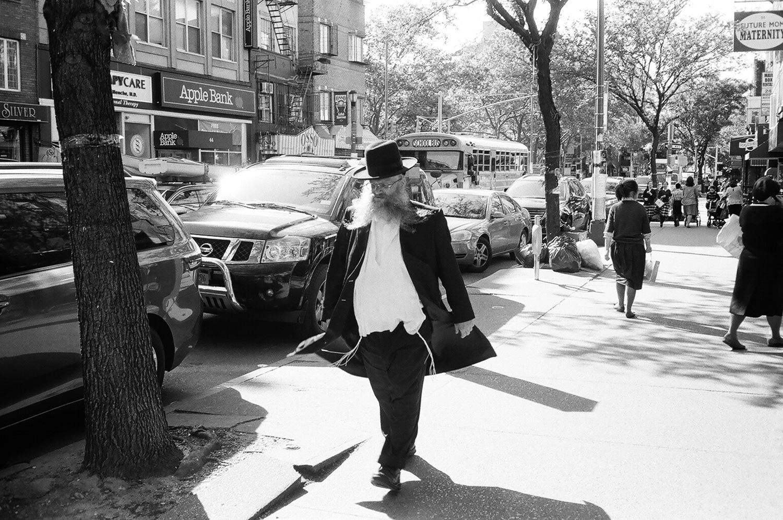 132-New-York-BW-Street-Style.jpg