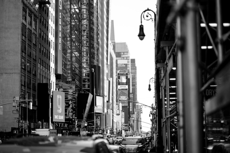 133-New-York-BW-Street-Style.jpg