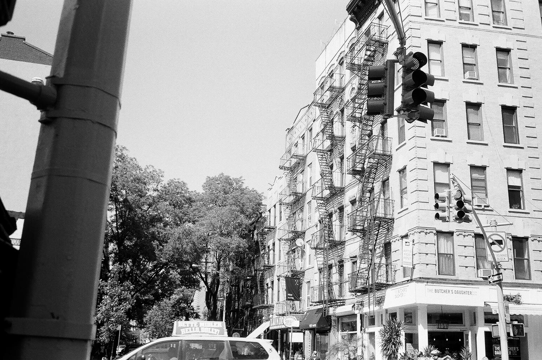 156-New-York-BW-Street-Style.jpg