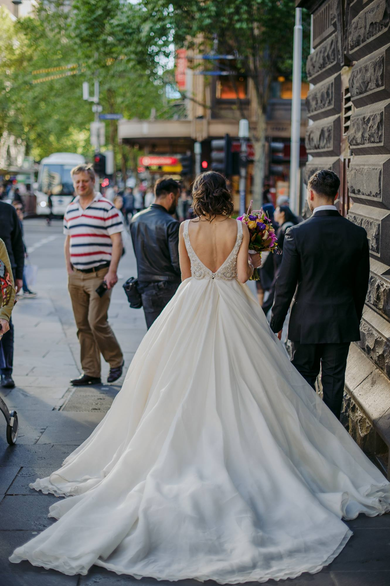 backless wedding dress.jpg
