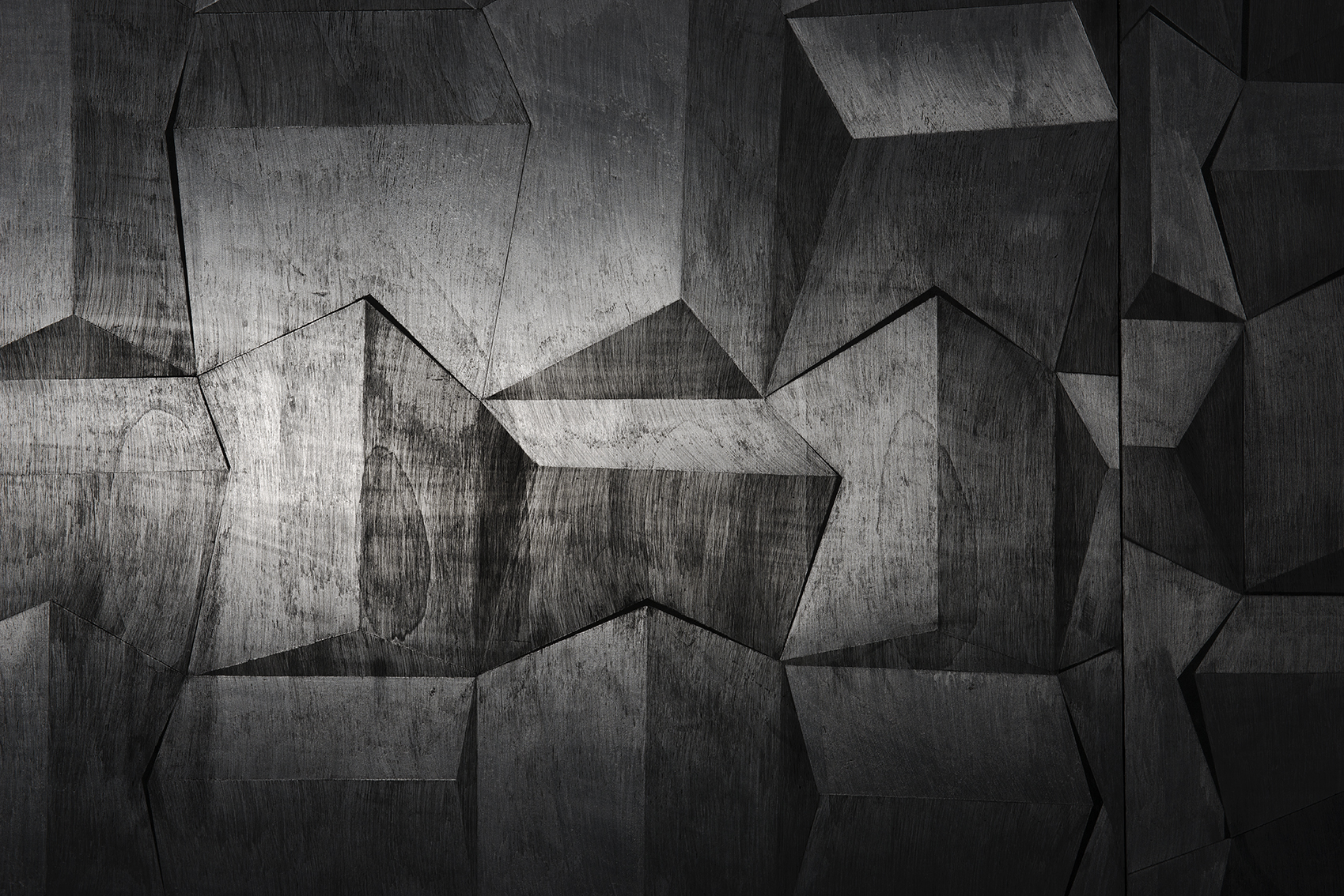 Hado, פחם וגרפיט על עץ, פרט מתוך מיצב, 2014 (3).jpg