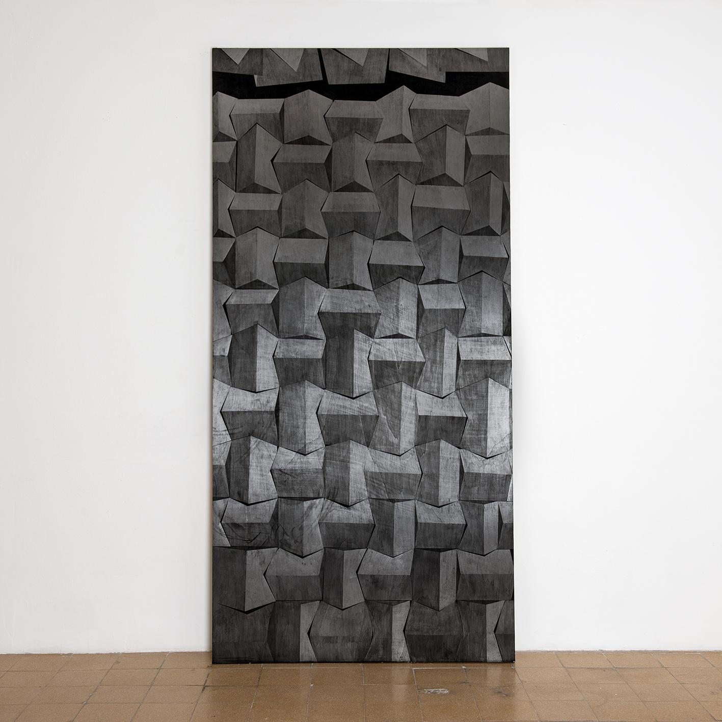 מתוך הסדרה 'קירות אקוסטים', פחם וגרפיט על עץ, 250X122 סמ 2014 (2).jpg