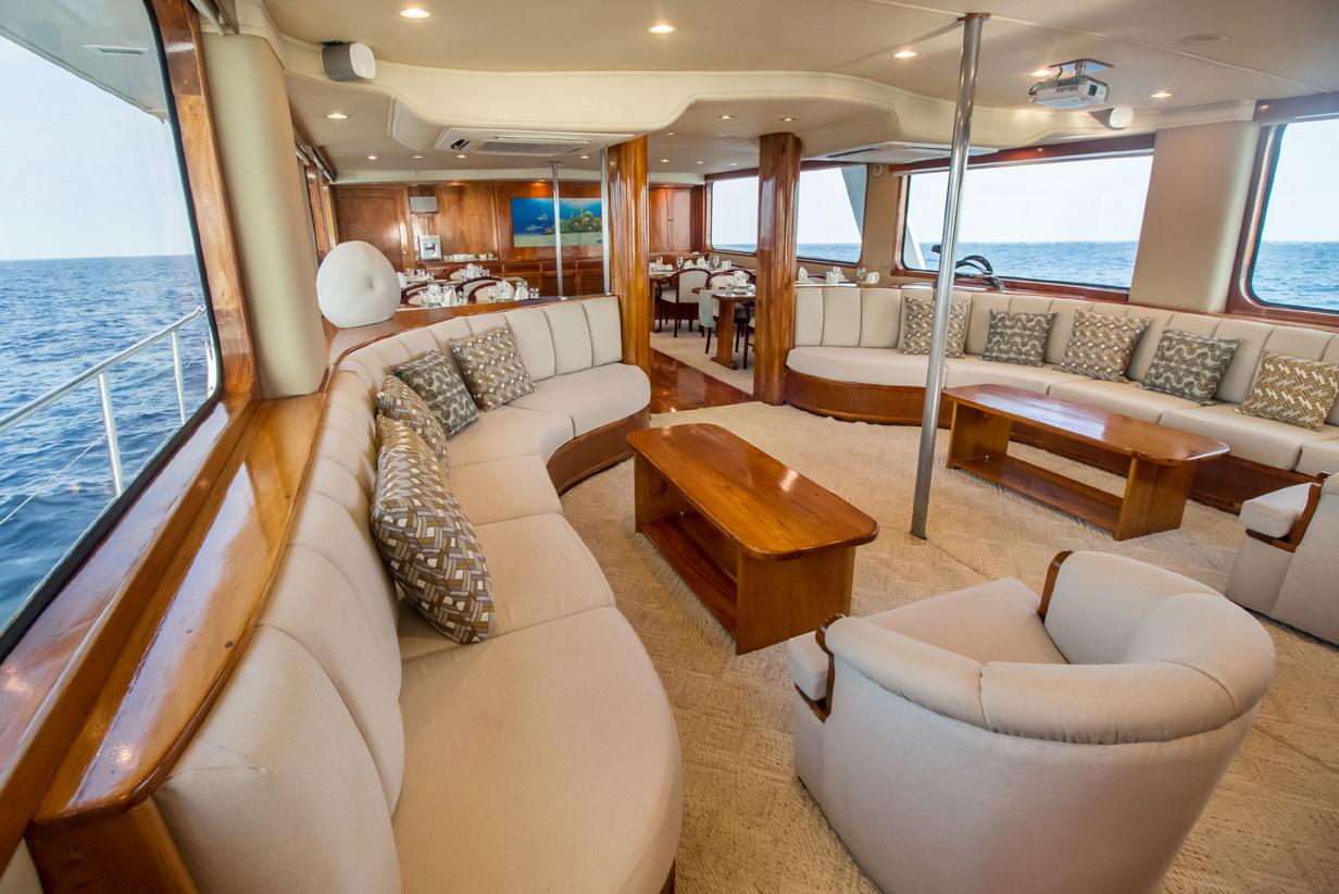 Galapagos Integrity Yacht Deck Plan — Integrity Luxury Yacht