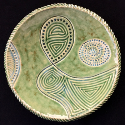 Centrepiece plate Size 31 cm diameter, 4.5 cm high SOLD. Similar pieces can be made to order.