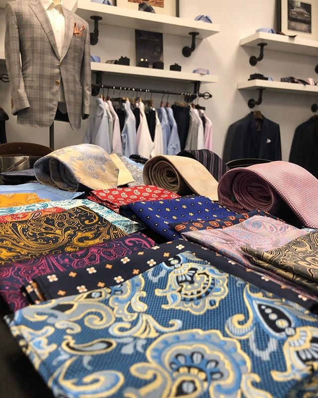 Summer colours making an early appearance! Customize any suit with the perfect accent of colour. - - - - - - - - - -  #summer #toronto #custom #suit #style #fashion #wedding #menswear #styleforum #mensfashion #customsuit #summer