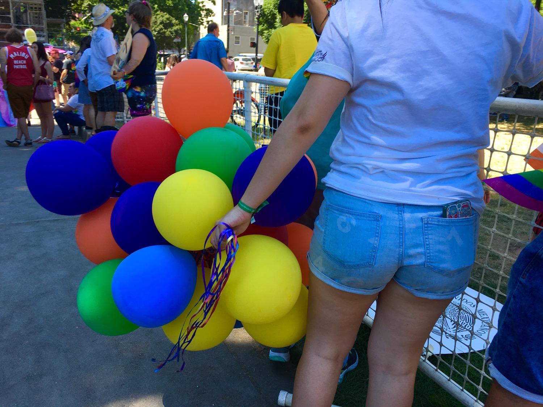 More pride balloons