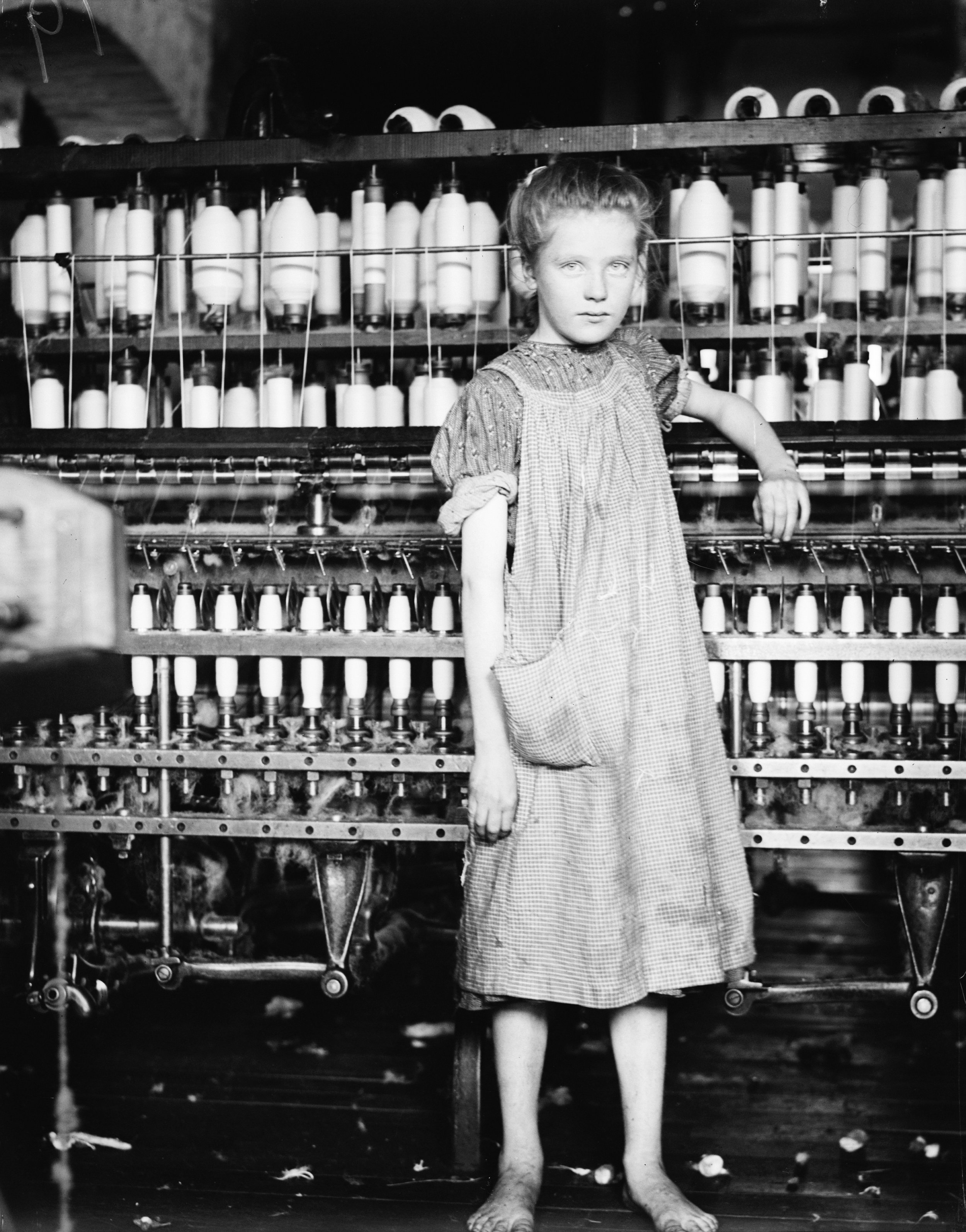 Photo from the era of child labor ( https://en.wikipedia.org/wiki/Child_labor_laws_in_the_United_States )