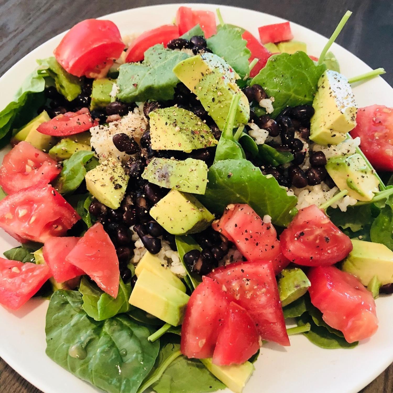 green deluxe salad.jpeg