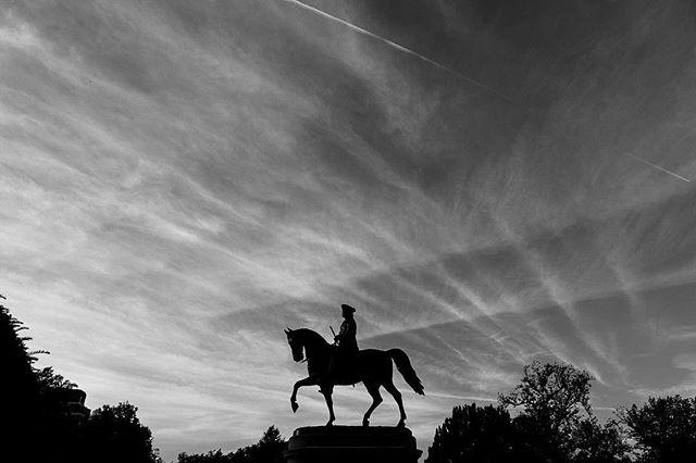 Sutch an awesome sky tonight! #sky #boston #bostoncommon #georgewashington #blackandwhitephotography #bandw #monochromatic #5div #igersmass