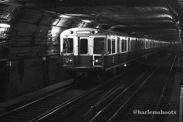 #54 #365 #photoaday #photoadaychallenge #sonya7iii #sigma50mmart  @borrowlenses #blackandwhitephotography #bnw #bnwphotography #train #redline #mbta #everyharlemday #harlemshoots