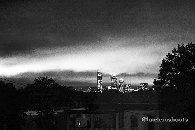 #44 #365 #photoadaychallenge #photoaday #blackandwhitephotography #bnwphotography #everyharlemday #harlemshoots #photographybyharlem #boston #bostonskyline #dorchester #bowdoinhill #sonya7iii #metabonesadapter #canon2470mm #monochrome
