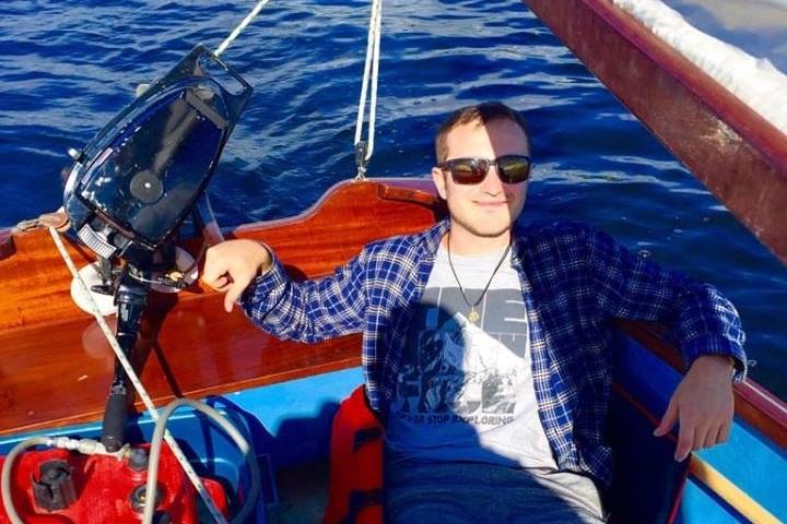 jon_sail_1.jpg