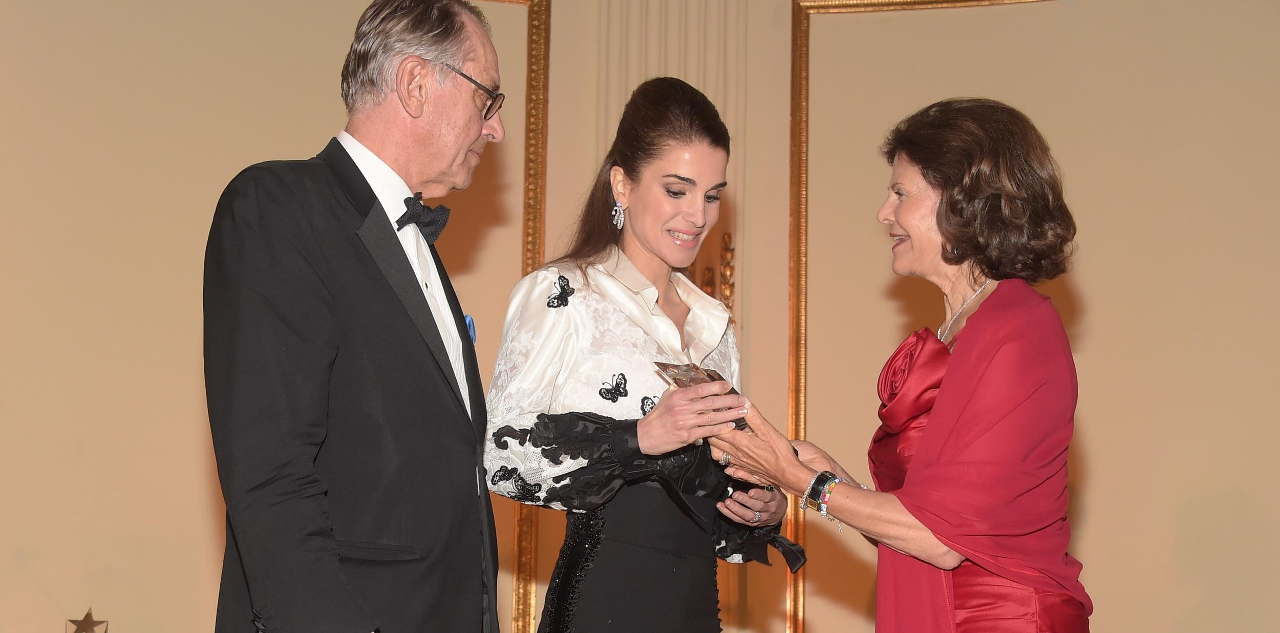HM Queen Silvia (R), HM Queen Rania (C), Jan Eliasson (L)
