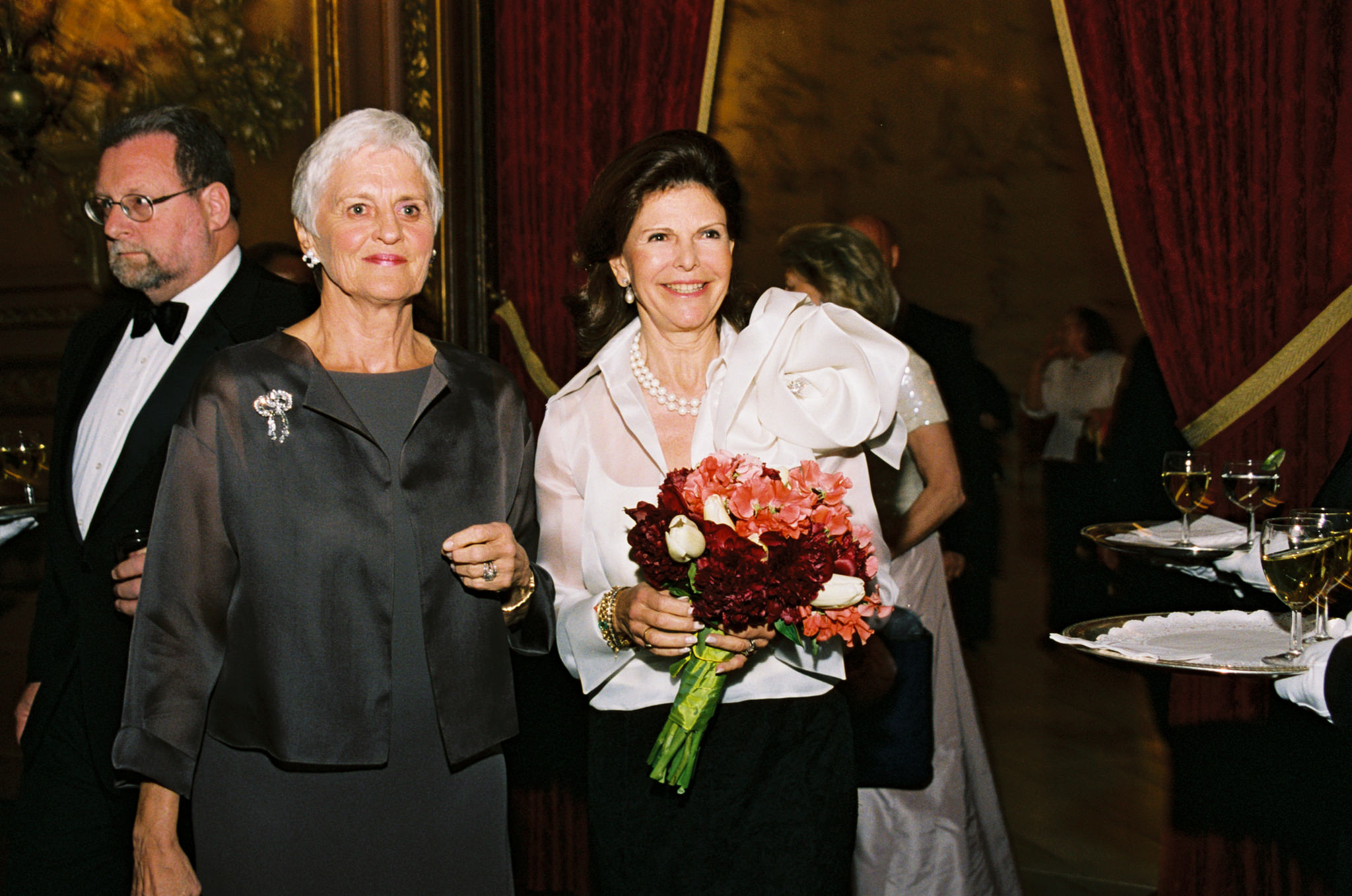 Long time supporter and Childhood USA Board Member, Monika Heimbold with H.M. Queen Silvia of Sweden at Childhood USA's 2005 Gala.