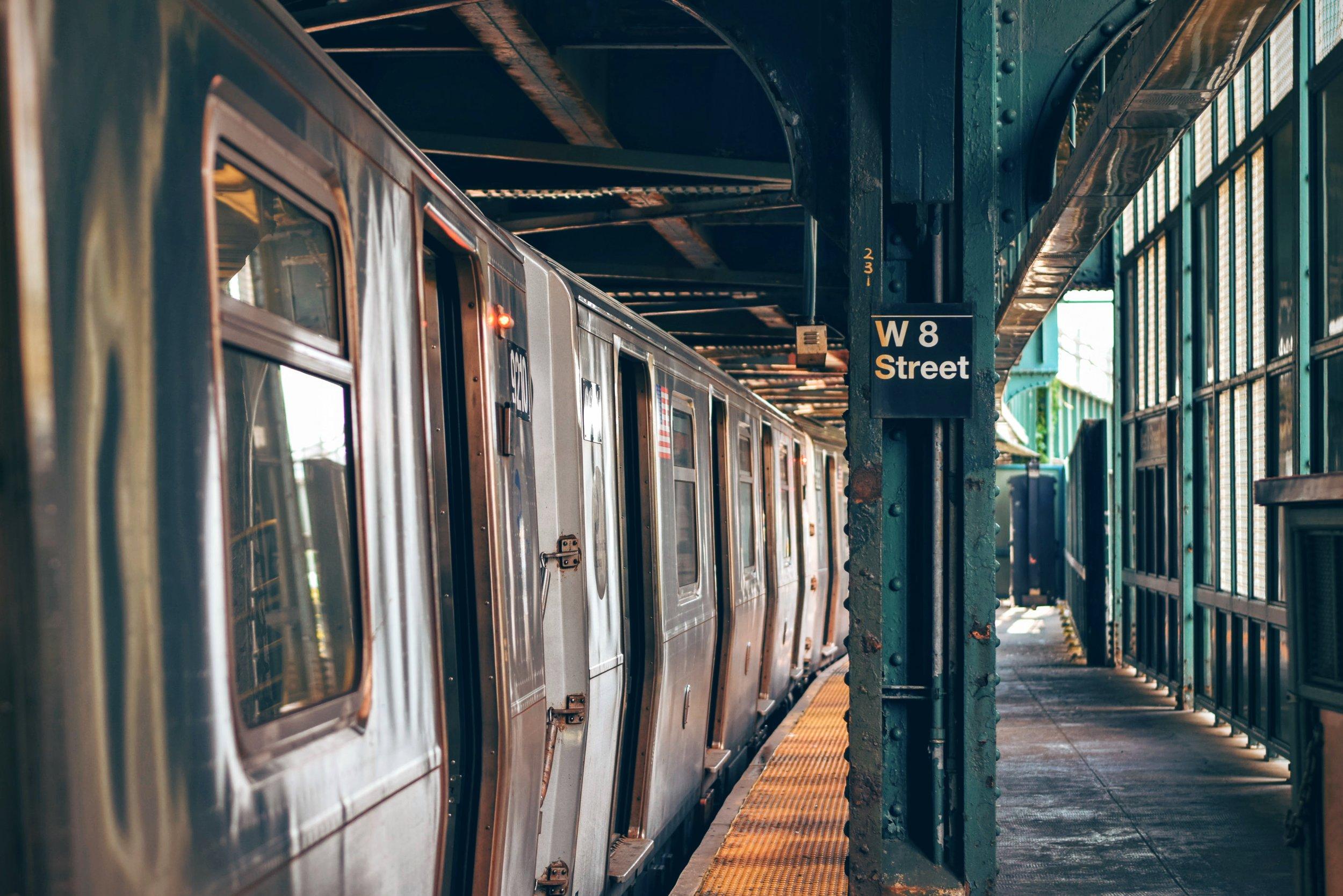 subwaytrain.jpg