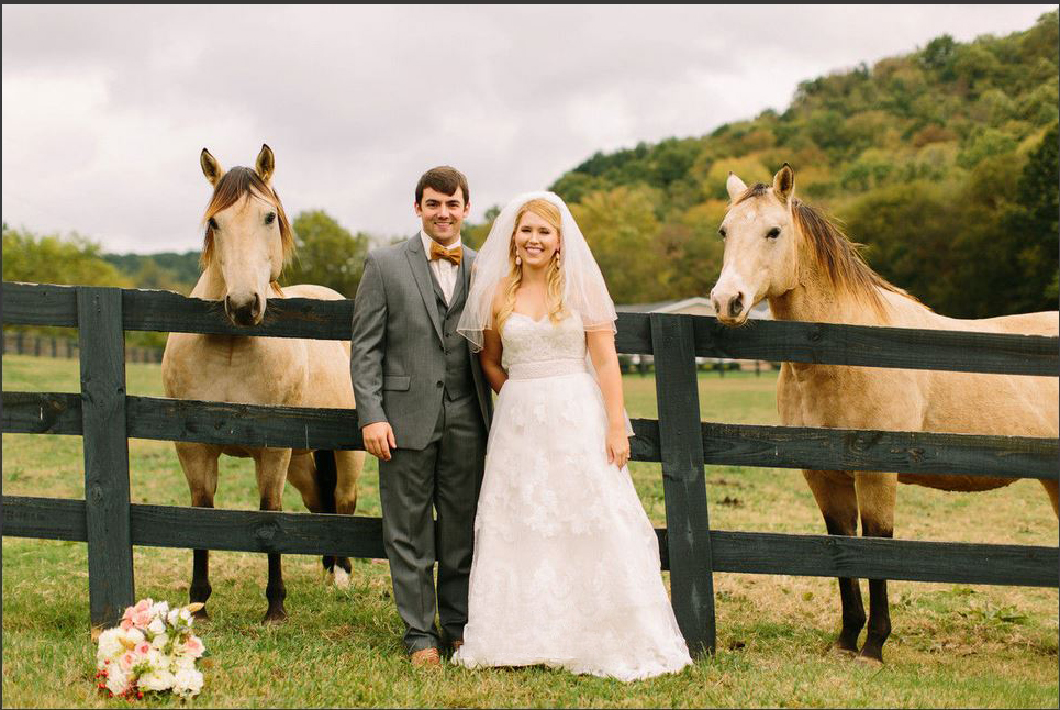 romantic-southern-wedding bride groom with horses