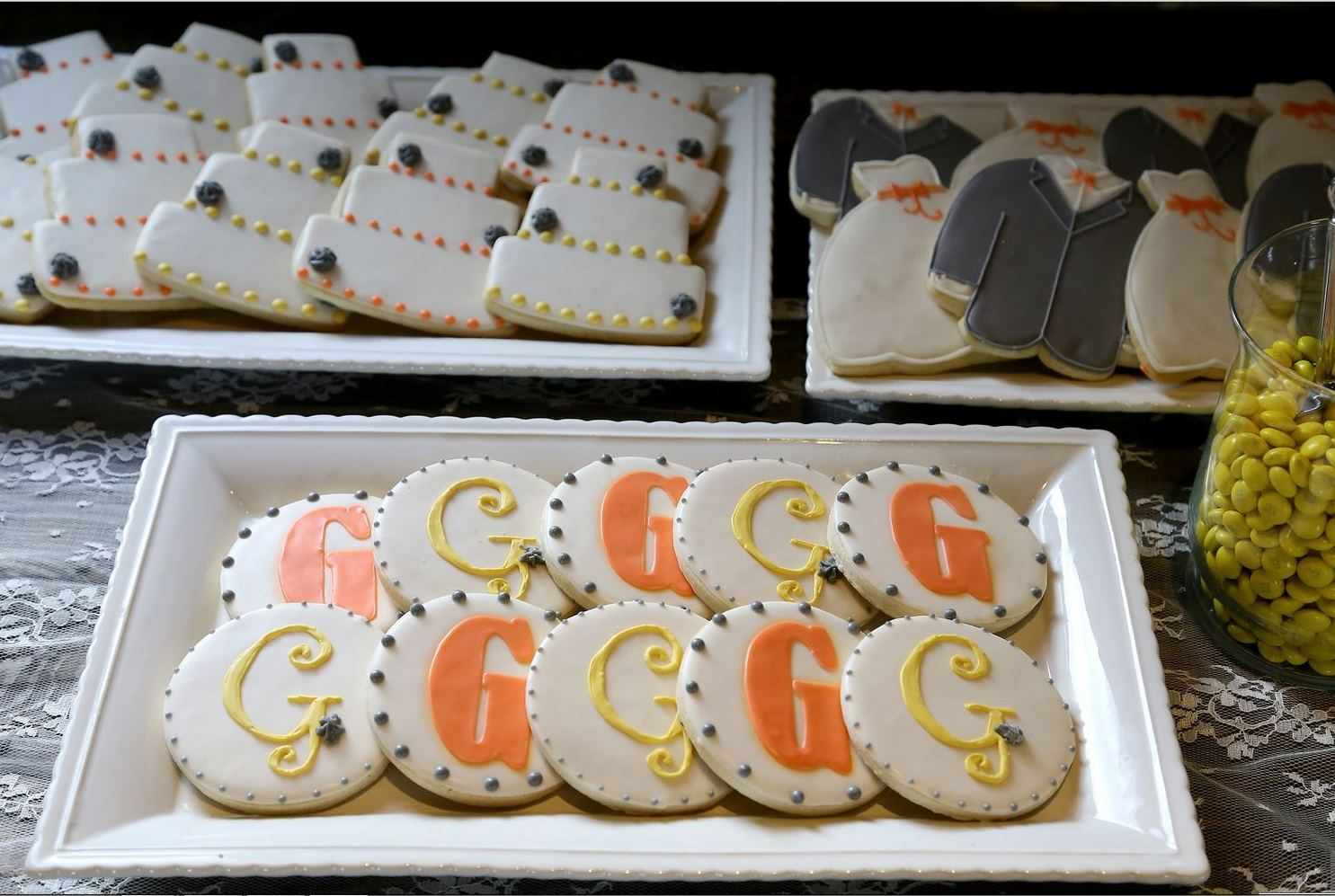 wedding cookie buffet (Affordable wedding photography)