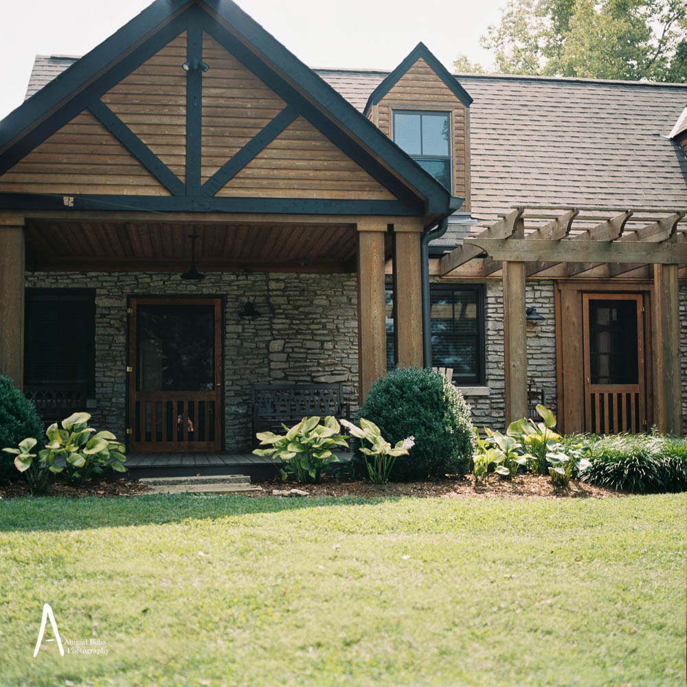 arrington vineyard stone cottage