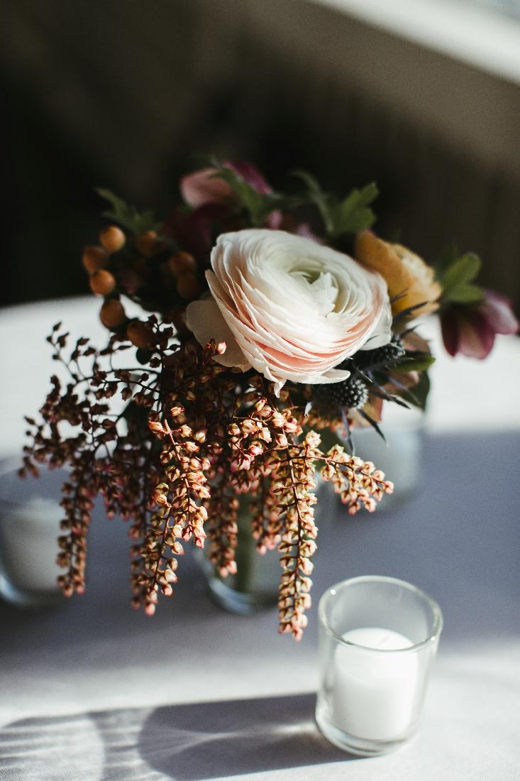 small flowers ranunculus.jpeg