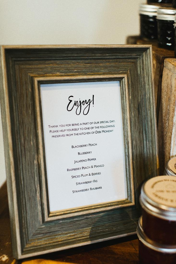 wedding favor sign.jpeg