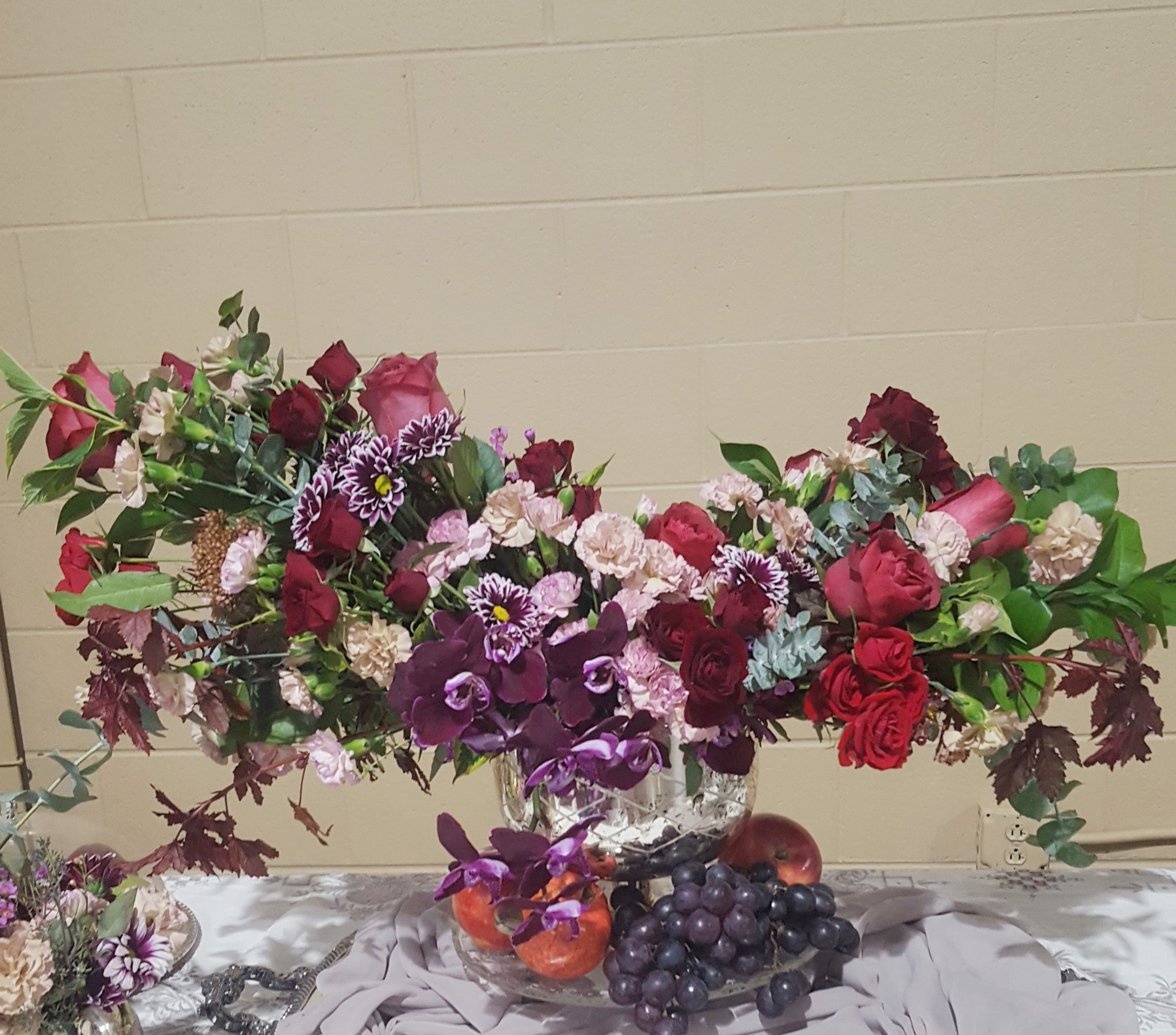 flower centerpiece red purple.jpg