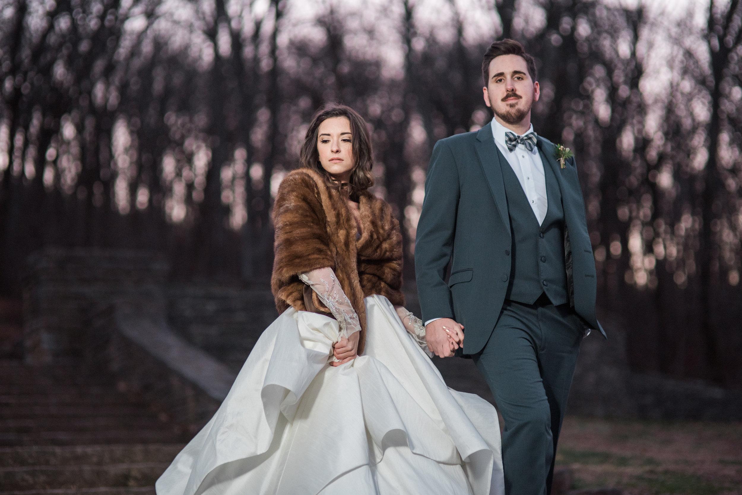 bride and groom outside winter.jpg