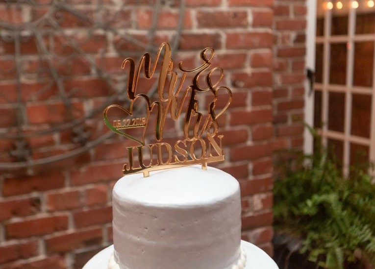 wedding cake gold topper.JPG