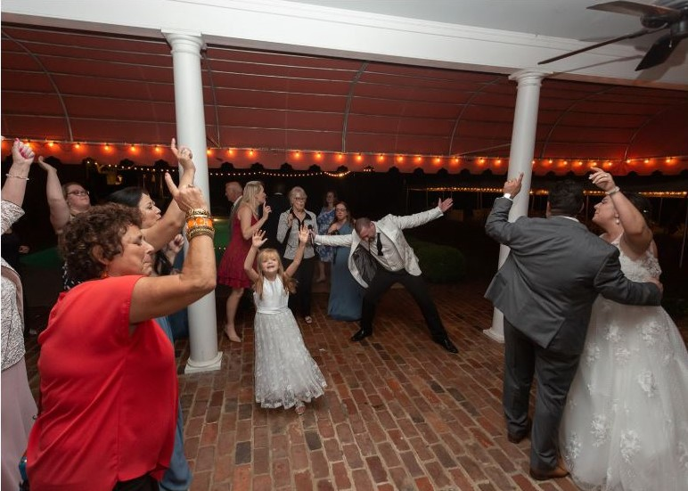 wedding reception dancing.JPG