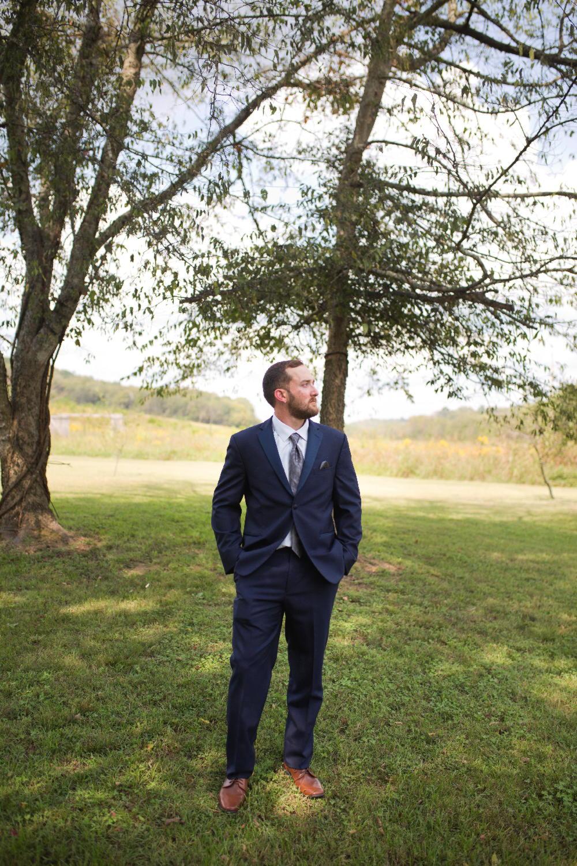 groom outside.jpg