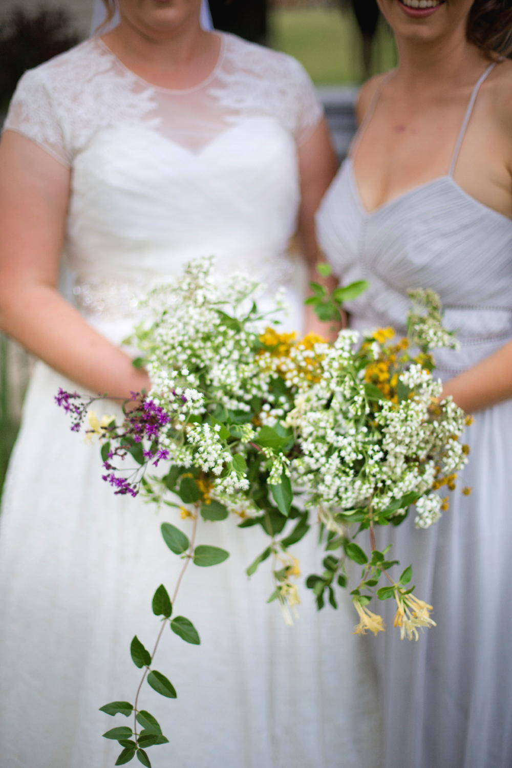bride and bridesmaid flowers.jpg