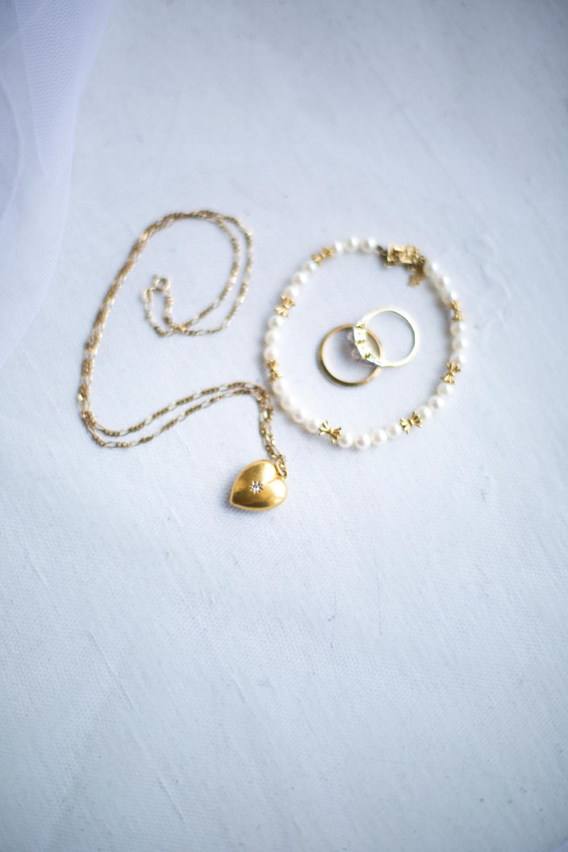 brides jewelry.jpg