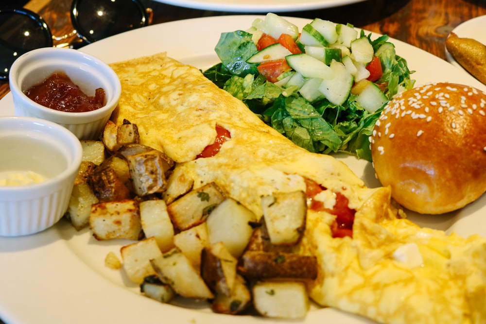 Brunch Special : Omelette Royale or Benedict a la Florentine (we got omelette) - Choice of Juice (we got orange) - Coffee or Tea (we got coffee)