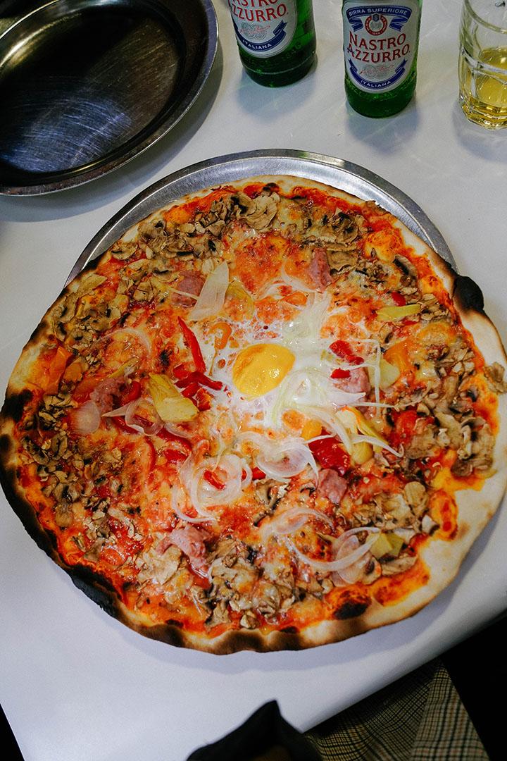 "The Signiture ""Pizza Baffetto"" Roman Style Thin-crusted Pizza"